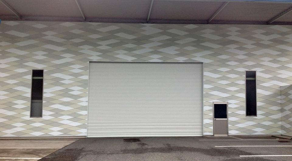 山本板金工業倉庫外壁