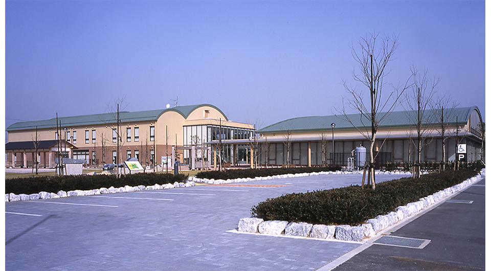 小笠町立図書館・中央公民館