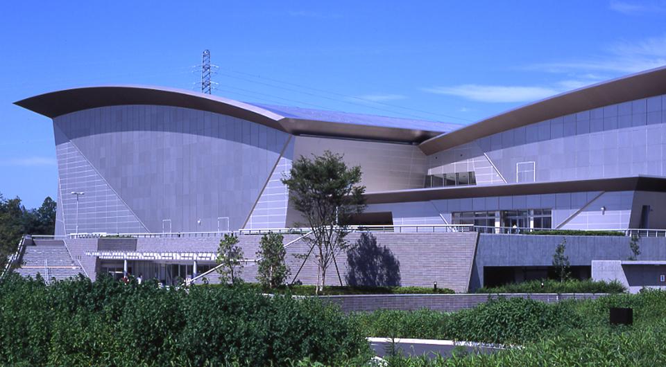 笠松運動公園 屋内水泳プール兼アイススケート場