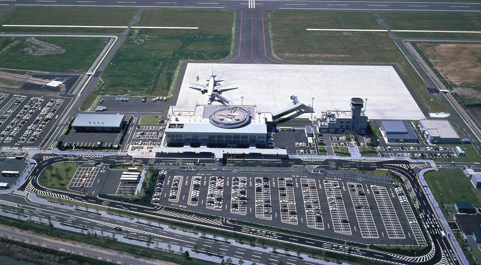 佐賀空港旅客ターミナルビル